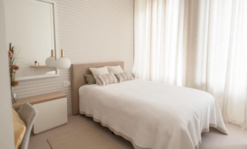 Chambre avec lit double résidence de coliving Flexiroom à Luxembourg gare