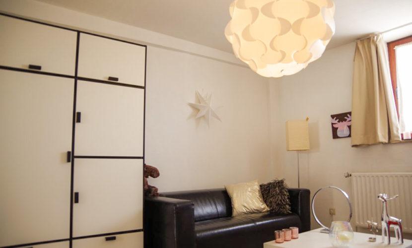 salon meuble dans appartement en coliving flexiroom